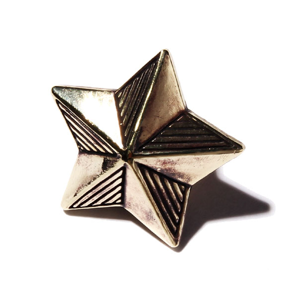 STAR PINS MEDIUM